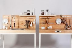 Die Küche ChopChop des Berliner Designers Dirk Biotto besteht aus zwei Modulen, die auf kleinstem Raum wichtige Küchenfunktionen bieten. Foto: Patric Dreier
