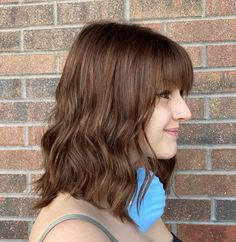 Matched with a chestnut brown hue, this mid-length hair flatters gals with light or pale skin tone. Style it with loose waves, and you can rock the day with sophistication. This is only one of the best medium hairstyles with bangs we got for you. Click the link and view more! #mediumhairstyleswithbangs #mediumhairwithbangs Medium Hairstyles, Latest Hairstyles, Hairstyles With Bangs, Shoulder Length Cuts, Choppy Bangs, Bangs With Medium Hair, Mid Length Hair, Pale Skin, Loose Waves