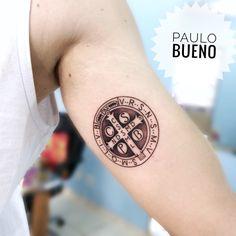 """Tattoo medalha de São Bento - """"Amuleto da sorte"""" by @paulo.buenofelipe"""