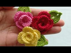 Crochet Flower Tutorial, Crochet Flowers, Hair Clips, Crochet Earrings, Crochet Wreath, Crochet Flower Patterns, Crochet Baby Clothes, Garden Cottage, Hair Rods
