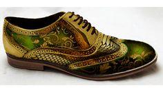 The Original Mirror brogues Gold Dress Shoes, Men's Shoes, Shoes Style, Gold Shoes, Shoes Men, Mens Fashion Shoes, Fashion Moda, Men's Fashion, Dress Fashion