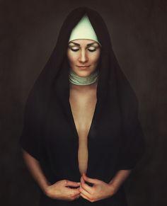 Bildergebnis für woman undressing