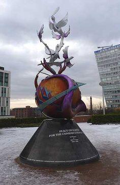 John Lennon Peace Monument #facesandavatarsforpeace #doris3meflcenter