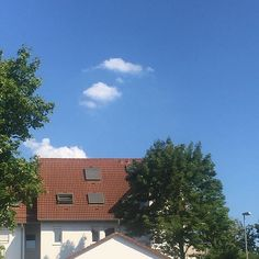 Travelling through Stuttgart by  I get to see this...    . . . #europesnsummer #summer #sunshine #blueskies #clouds #whiteclouds #Stuttgart #Stuggi #0711 #bus #publictransport #badenwürttemberg #SSB #houses #city #cityliving #cityscapes #trees #green #greens