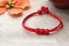 Recently I'm planning for a book about Chinese knotting bracelets. I need to work with the editor for some sample pages. So I have to shoot new photos. When I think it is for a book, I want t…