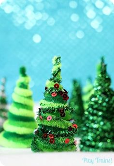 Pipe Cleaner Trees Christmas Craft for Train Sets and Small Worlds from Play Trains! Easy Homemade Christmas Gifts, Christmas Crafts For Adults, Christmas Crafts For Kids, Christmas Activities, Holiday Crafts, Christmas Time, Christmas Bulbs, Christmas Decorations, Origami Christmas