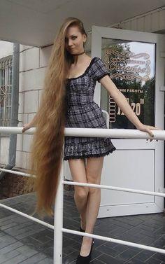 — magister1972: #sexyhair #longhair #verylonghair...