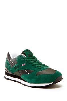 7f8a0e75928b 10 Best Sneakers images