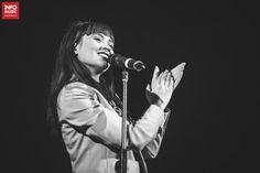 Irina Rimes in deschiderea concertului Caro Emerald la Sala Palatului pe 28 februarie 2018 Cosmos, Che Guevara, Concert, Cute, Recital, Kawaii, Universe, Concerts