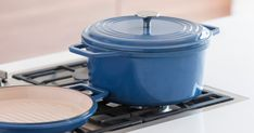 A cookware classic improved. Incredibly versatile, lasts forever, sold at an honest price. | Check out 'The Misen Dutch Oven' on Indiegogo.