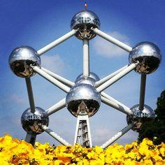 Atomium - Bruxelas #atomium #bruxelas #belgica #brussels #perfectday #sky #sculture #expo #expo58