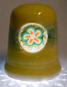 Dedal de cristal verde con calco Flores