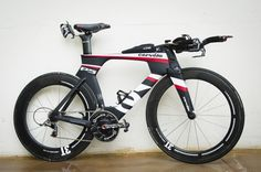 Kona Pro Bike: James Cunnama's Cervelo P5-Six leaves my P3 in the dust.