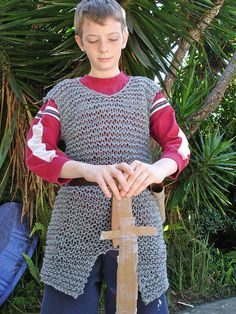 Free knit chainmail pattern for the young knight.