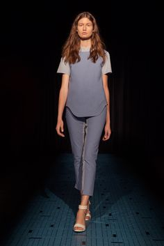 CG - Spring 2015 Ready-to-Wear - Look 8 of 21 - hem shape and topstitching - like new look vintagey style pattern but longer with shaped hem