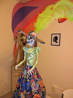 Catrina elaborada por José Guerrero en el Club de Arte MB.