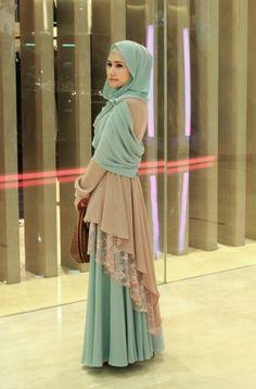 Maka dari itu, agar penampilan Anda semakin modis sesuai perkembangan zaman, disarankan agar selalu update perkembangan trend baju muslim di Indonesia ataupun..
