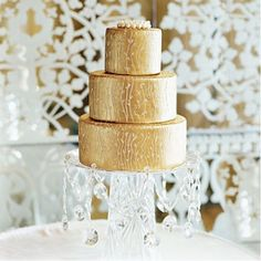 And that includes glamorous cakes! Today we show fabulous wedding cake pictures of gold cakes as inspiration for your wedding or Royal Cakes, Gold Wedding, Wedding Day, Fondant, Golden Cake, Medieval Wedding, Rustic Cake, Its My Bday, Tiered Cakes