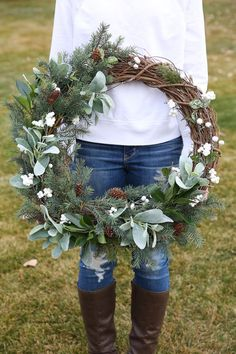 Home Decor | Christmas | Christmas Decorations | DIY Crafts | Learn how to Make a Rustic Farmhouse Wreath with this Step-by-Step Tutorial.