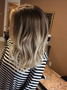 Discover recipes, home ideas, style inspiration and other ideas to try. Bayalage, Bronde Lob, Baylage Blonde, Brunette To Blonde, Short Blonde, Cute Hairstyles, Hair Goals, New Hair, Hair And Nails