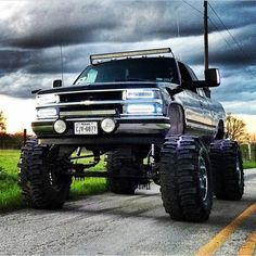 Mean lookin chev! Lifted Chevy Trucks, Gm Trucks, Chevy Pickups, Diesel Trucks, Cool Trucks, Pickup Trucks, Lifted Ford, Silverado Truck, Dodge Diesel