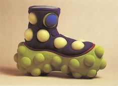 """"""" Untitled shoe concept - James Morrison - Parsons School of Design Scanned from Graphis Student Design """" Funky Shoes, Crazy Shoes, Me Too Shoes, Fashion Models, Fashion Shoes, Parsons School Of Design, Shoe Art, Designer Shoes, Cool Outfits"""