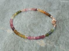 Pulsera de turmalina sandía granos de oro joyas por AmyJillDesigns