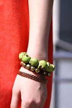More photo at:  http://www.fashionsnap.com/streetsnap/2012-05-01/15867/