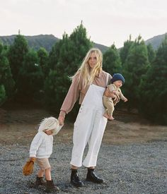 Mom And Baby, Mommy And Me, Baby Love, Family Of Four, Family Kids, How To Pose, Mother And Child, Best Mom, Mom Style
