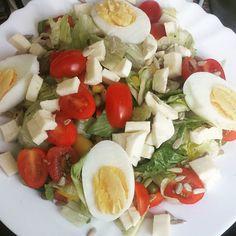 Aaaaabendessen #abendessen #dinner #instagram #picoftheday #instablogger #instagold #instagirl #instafam #happy #instafamily #lecker #athome #soowarmdraußen #salat #egg #gym #diet #fitness #motivation #lowcarb #abgerechnetwirdwenndaszielerreichtist #abnehmen #abnehmtagebuch by mai._.maedchen