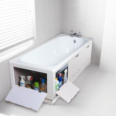 17 great design ideas if you have a small bathroom - Ma Home Design Bathtub Storage, Small Bathroom Storage, Bathroom Styling, Storage Tubs, Small Storage, Bath Panel Storage, Lego Storage, Extra Storage, Bathroom Organization