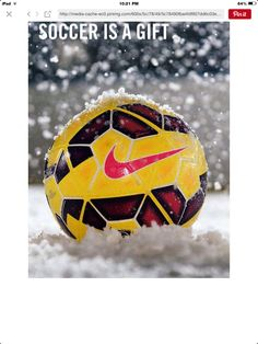 best service 82e24 44ae8 That is the coolest snow ball ever😜 Soccer Tips, Us Soccer, Soccer Cleats