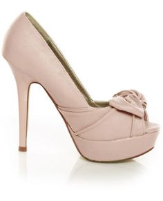 I find peep-toes a bit more difficult and uncomfortable to wear but they are SO PRETTY!