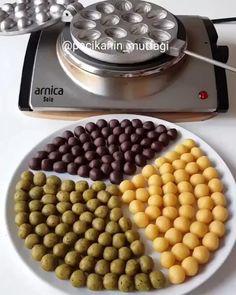 Yami Yami, Biscuits, Turkey Cake, Chocolate Truffles, Flan, Dog Food Recipes, Waffles, Sweets, Snacks