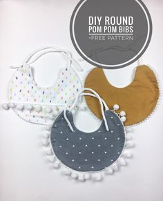 Make your own pom pom bib under 5 Etsy sales for 20 save money and diy Perfect for your baby Handgemachtes Baby, Baby Kind, Baby Onesie, Diy Baby Gifts, Baby Crafts, Sewing Projects For Kids, Sewing For Kids, Sewing Ideas, Diy Projects To Sell