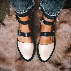 Closed toe nude sandals #anklestrapsheelsclosedtoe