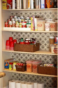 4 Connected Simple Ideas: Mother Of Pearl Backsplash Mom subway tile backsplash behind stove.Colorful Backsplash Islands peel and stick backsplash design.Subway Tile Backsplash Behind Stove. Pantry Storage, Pantry Organization, Pantry Ideas, Organized Pantry, Basket Organization, Organizing Life, Kitchen Storage, Food Storage, Beadboard Backsplash