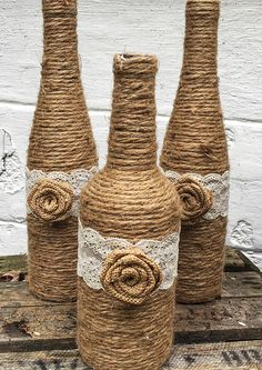 Diy Crafts - Twine Wrapped Wine Bottles are a great addition to your Country Themed event! These upcycled wine bottles are decorated simply and rustic Twine Wine Bottles, Twine Wrapped Bottles, Fall Wine Bottles, Painted Wine Bottles, Christmas Wine Bottles, Decorated Bottles, Glass Bottle Crafts, Diy Bottle, Bottle Art