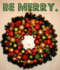 DIY Wreaths : DIY: Ornament Wreath