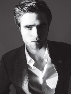 This is just one of Robert Pattinson's hottest pictures.