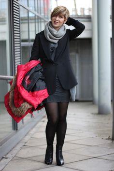 Wer hätte das gedacht, aber es ist möglich ein Kleid von AllSaints auch am Dienstag zu tragen - sogar ein Sommerkleid an einem Winterdienstag!