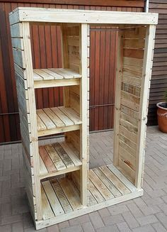 Pallet Furniture Projects Keeping in mind the ideas we have gathered here, whoever starts reshaping the wooden pallets will end up in awesome accomplishments which every visitor will praise. Either a person wants to decorate…More Wooden Pallet Projects, Wooden Pallet Furniture, Wooden Pallets, Wooden Diy, Diy Projects, Furniture Ideas, Furniture Stores, Furniture Nyc, Cheap Furniture