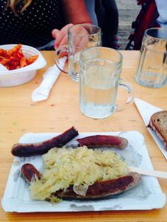 Bratwurst und Sauerkraut