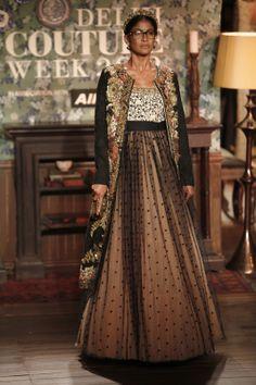A A I N A - Bridal Beauty and Style: Designer Bride: Sabyasachi Mukherjee at Delhi Couture Week 2012