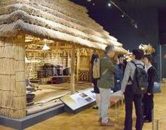 北海道博物館に展示されているアイヌ民族の伝統的家屋=17日午後、札幌市厚別区
