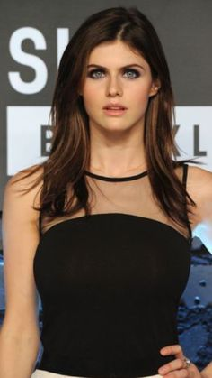 Beautiful Celebrities, Beautiful Women, Alexandra Daddario Images, Actrices Hollywood, Female Stars, Everyday Hairstyles, Hollywood Actresses, Hair Beauty, Her Hair