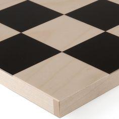 bauhaus-schachfiguren design josef hartwig 1924 ahornholz, teils schwarz gebeizt figuren mit kiste 823 g 286,00 € inklusive 19% ust zzgl. versandkosten