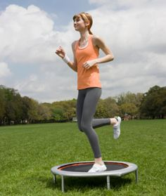 Fitness Motivation : Fat-Blasting Rebounding Routine: Burn 230 calories in 25 minutes! Fitness Goals, Fitness Tips, Fitness Motivation, Health Fitness, Body Fitness, Trampolines, Mini Trampoline Workout, Fat Burning Workout, Calories