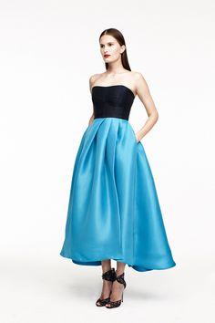 http://www.style.com/slideshows/fashion-shows/resort-2015/monique-lhuillier/collection/40