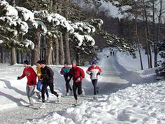 Winter running looks sooo fun@Kalynn Watsonlets go to Park City and run on their trail up there!!!!